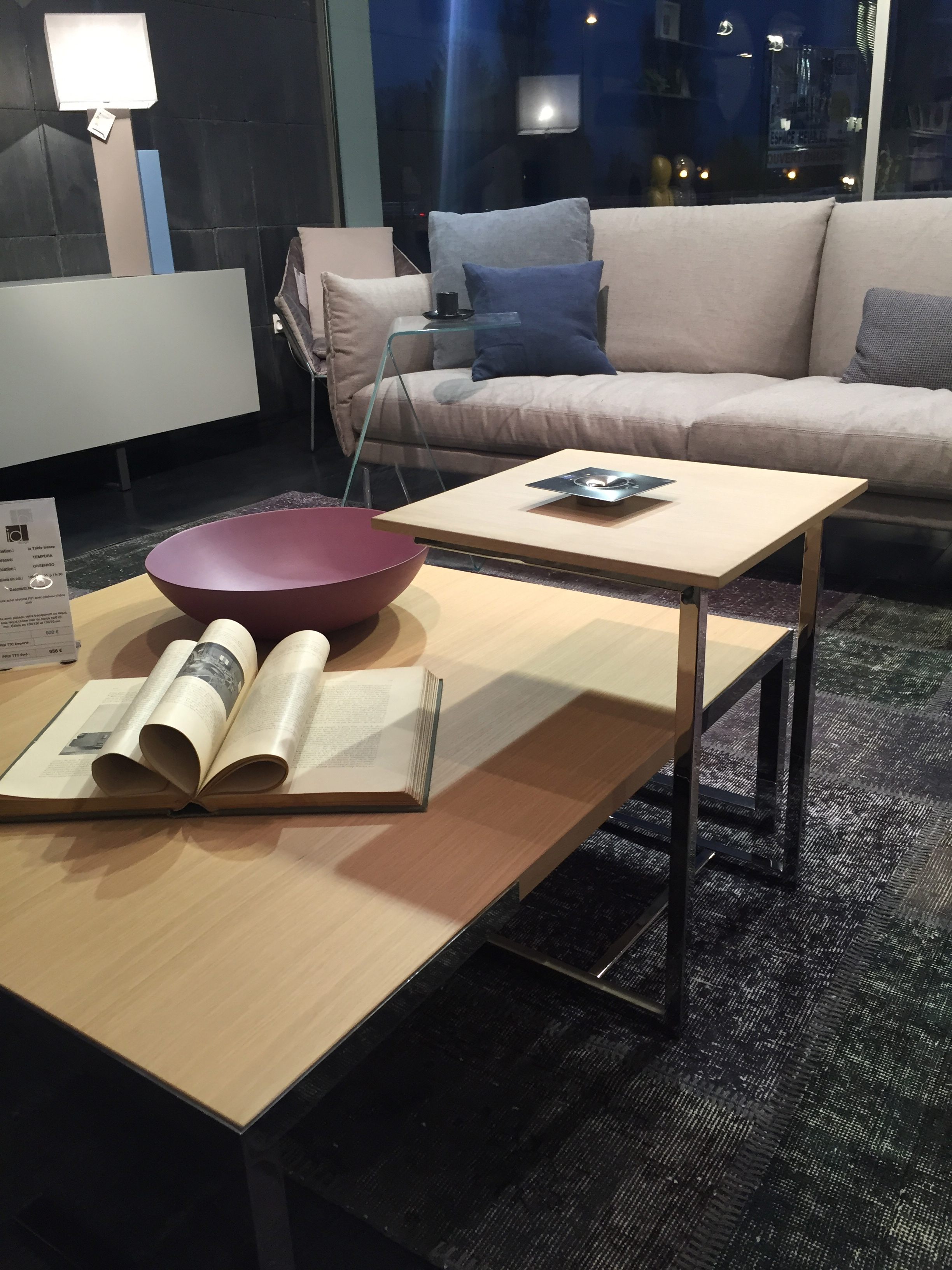 bout de canap enfourchement tempura meubles steinmetz. Black Bedroom Furniture Sets. Home Design Ideas