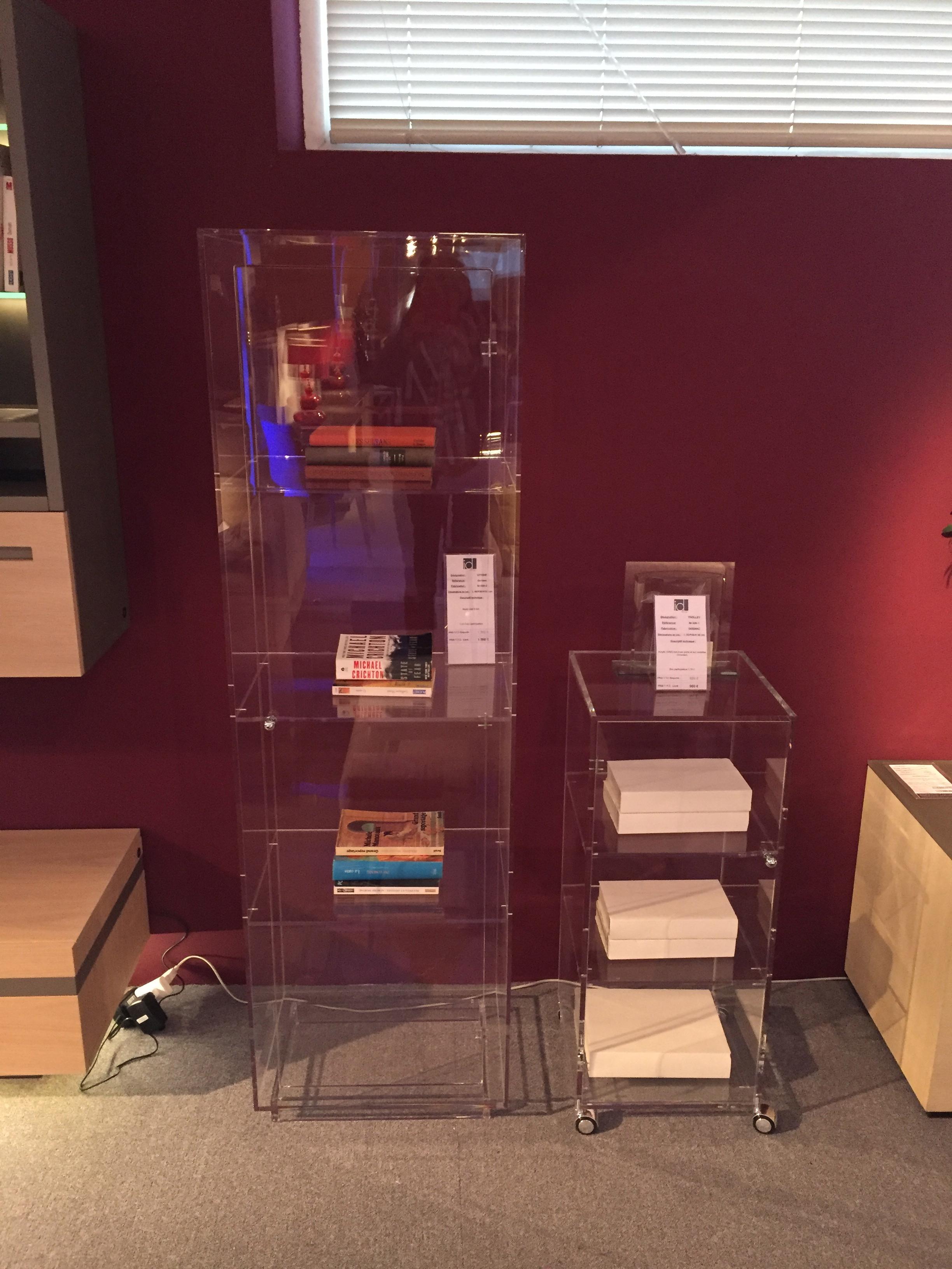 vitrine meubles steinmetz. Black Bedroom Furniture Sets. Home Design Ideas