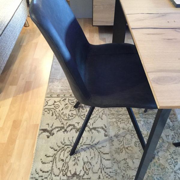 Chaise brooklyn meubles steinmetz for Fabricant de meuble sur mesure