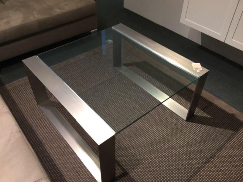 collection ring tables bureaux consoles meuble tv meubles steinmetz. Black Bedroom Furniture Sets. Home Design Ideas