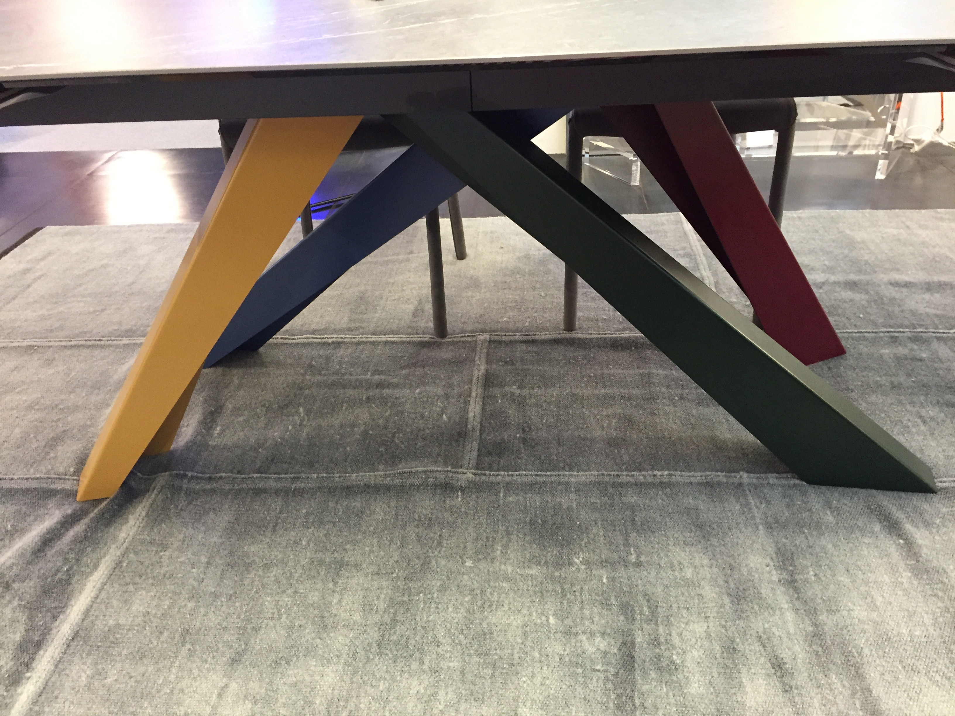 big table bonaldo meubles steinmetz. Black Bedroom Furniture Sets. Home Design Ideas